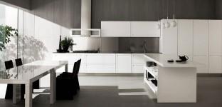 moderna luxusna drevena kuchyna